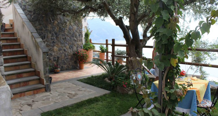 bed-and-breakfast-amalfi-coast-terrace-and-garden